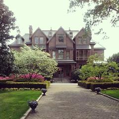 Gov's mansion