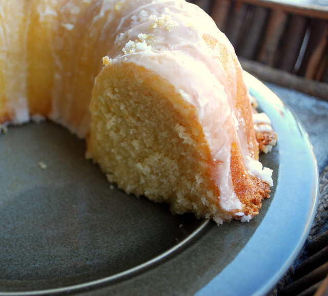 Lemon Bundt Cake 1