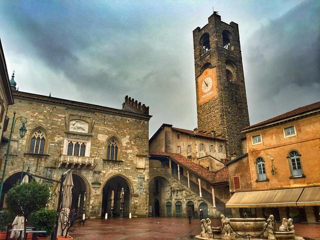 Piazza Vecchia de Bérgamo (Italia)