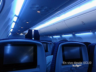 Copa Airlines B737-800 interior Economy (Gaston Doval)