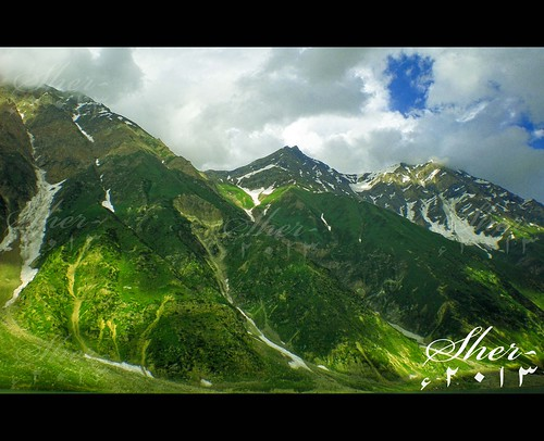 "sky snow mountains green clouds landscape nopeople images middle kaghan kaghanvalley naran kpk east"" beautifulpakistan ""getty mygearandme flickrstruereflection2 gettyimagesmiddleeast rememberthatmomentlevel1"