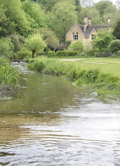 Near Upper Slaughter
