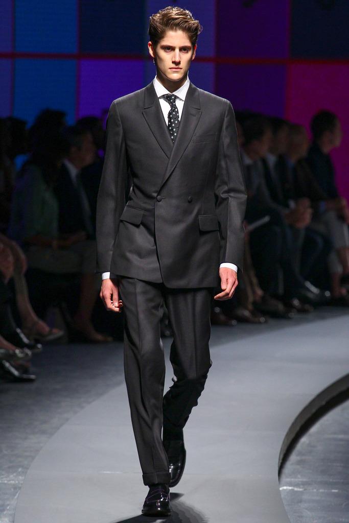 SS14 Milan Ermenegildo Zegna043_Julian de Gainza(style.com)