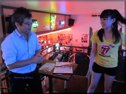 Photo:2012-08-03_ハンバーガーログブック_【本牧】Aloha Cafe 周年イベントで1パウンドバーガーにぱくついてきました。-04 By:logtaka