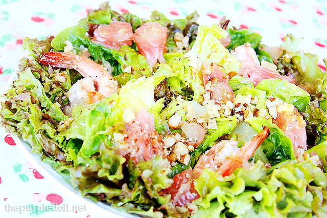 Grilled Shrimp with Sweet Pomelo and Mixed Greens in Asian Dressing (P175)