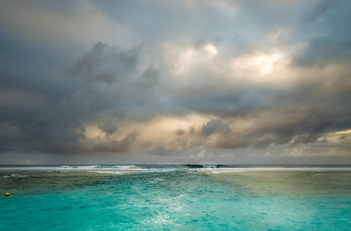 sunset sea seascape clouds nikon waves lagoon rarotonga colourimage leefilters 1024mm d7000 lee12gndsoft