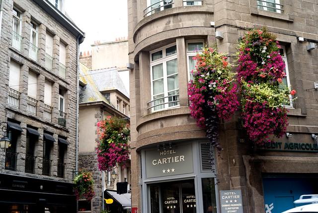 Saint Malo旧市街。三谷幸喜の映画にこういうセットなかったっけ?