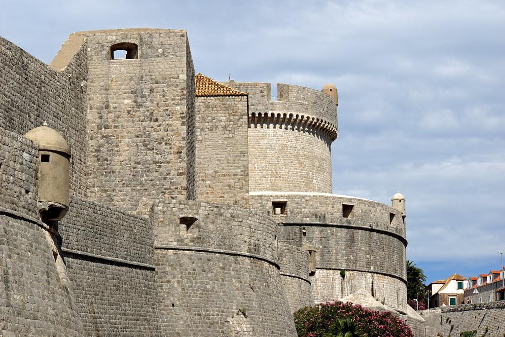 Croatia-01722 - Great walls of Dubrovnic