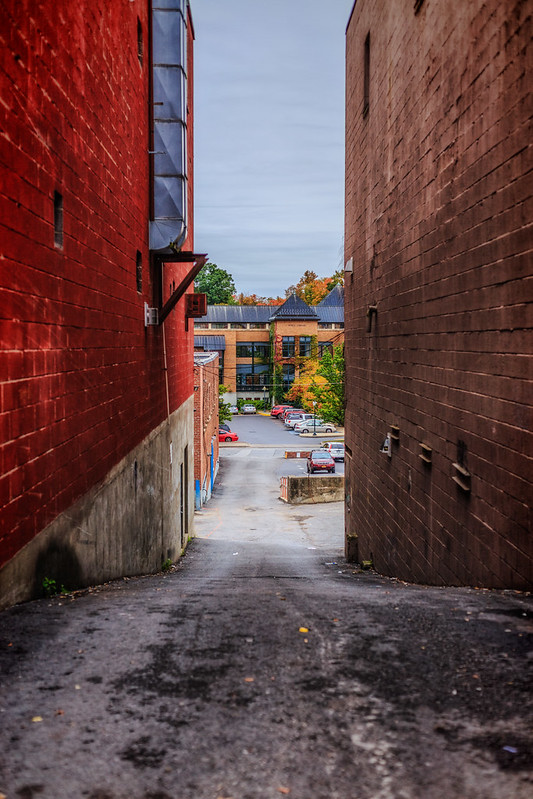 Saratoga Alley
