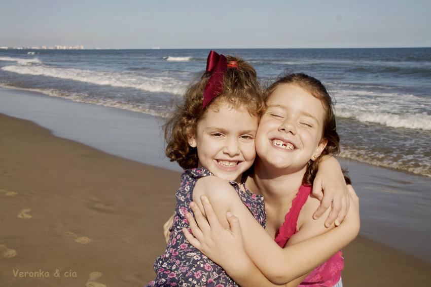 Sonrisas y abrazos1