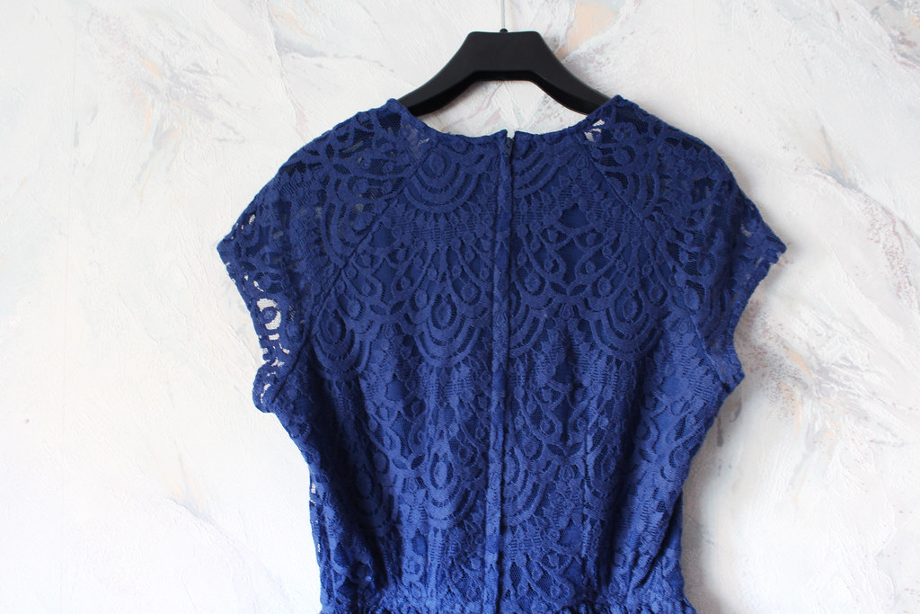 blue lace dress from H&M, beautiful back detailing of a dress