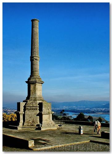 Coluna em Santa Luzia by VRfoto