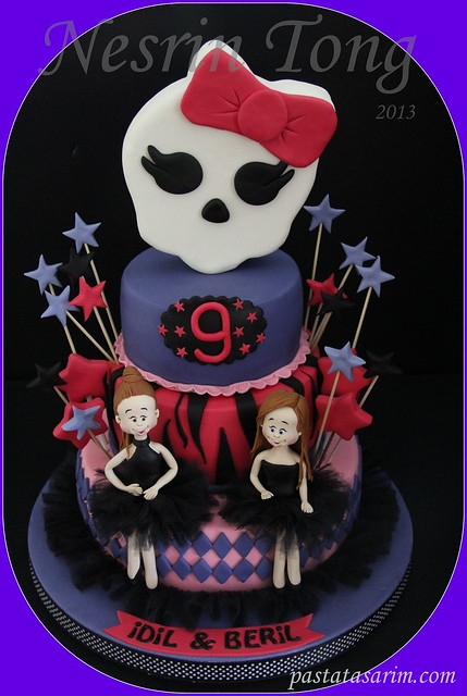 monsterhighcake