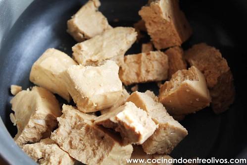 Tronco de Navidad relleno de crema de turron www.cocinandoentreolivos (16)