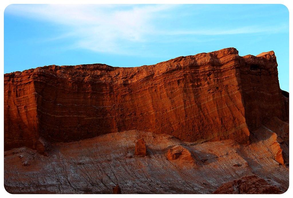 valle de la luna atacama desert red rocks