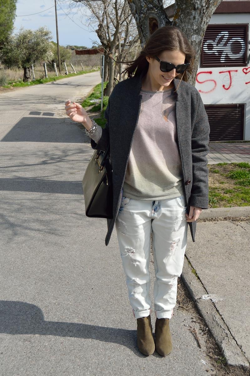 lara-vazquez-madlula-blog-streetstyle-boyfriend-jeans-cocoon-coat-fashion