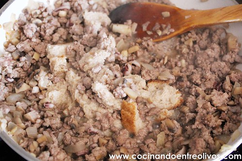 Calamares rellenos de carne www.cocinndoentreolivos (13)