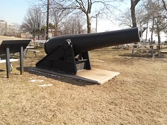 Fort Hamilton Cannon on Bluff