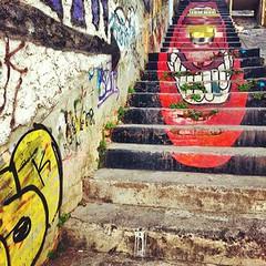 #Steps #StreetArt from #Valparaiso for #FriFotos from L-255, Yerbas Buenas, Maule Region, Chile (via nomadbiba on instagram) Like us on Facebook: http://ift.tt/LOpPQG