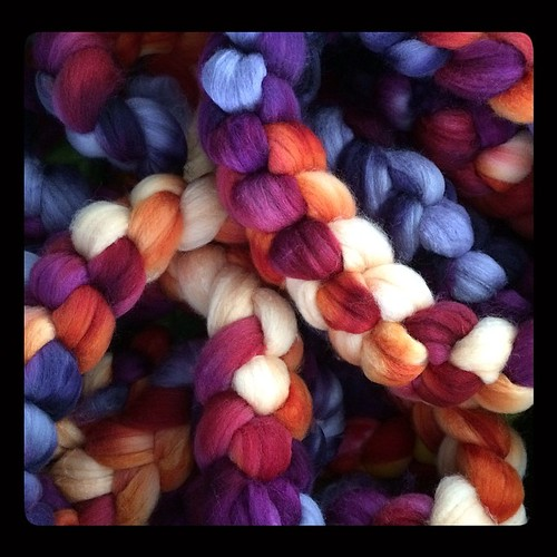 Fans of Bosworth spindles might recognize 'Puesta del Sol' - just one of many colourways to be featured at Maryland Sheep & Wool Festival next weekend. #mdsw #intothewhirled #itw