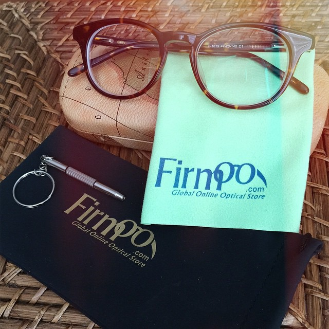 So excited to try this new pair of @Firmoo glasses! When they contacted me I was going to go with a frame size similar to what I have now, but in a different color. However, I decided to try something new and trendy and went with this round frame in torto
