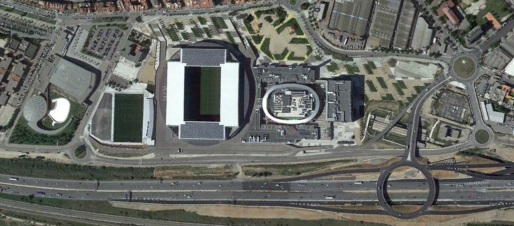 power8 stadium, cornellá de llobregat, barcelona, recambios pufi stadium, peticiones del oyente, después, urbanismo, planeamiento, urbano, desastre, urbanístico, construcción, rotondas, carretera