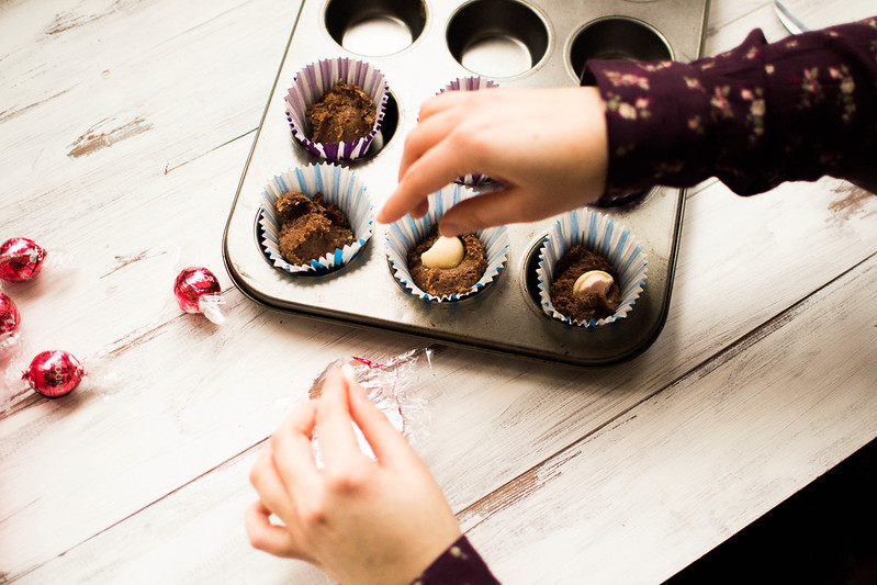 Valentine Strawberry + Chocolate Cupcakes { with Lindt }