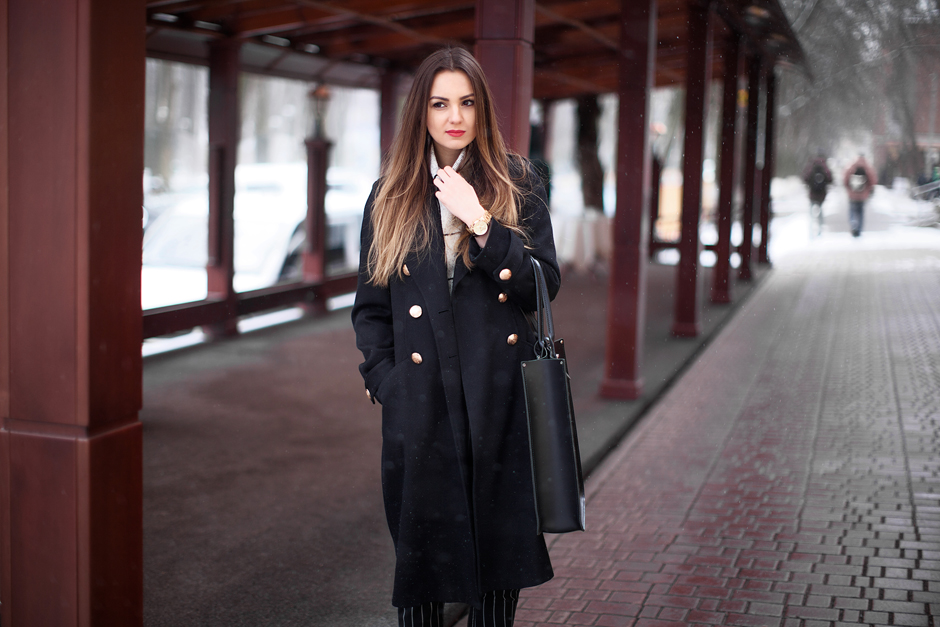 fashion-blogger-outfit-black-coat