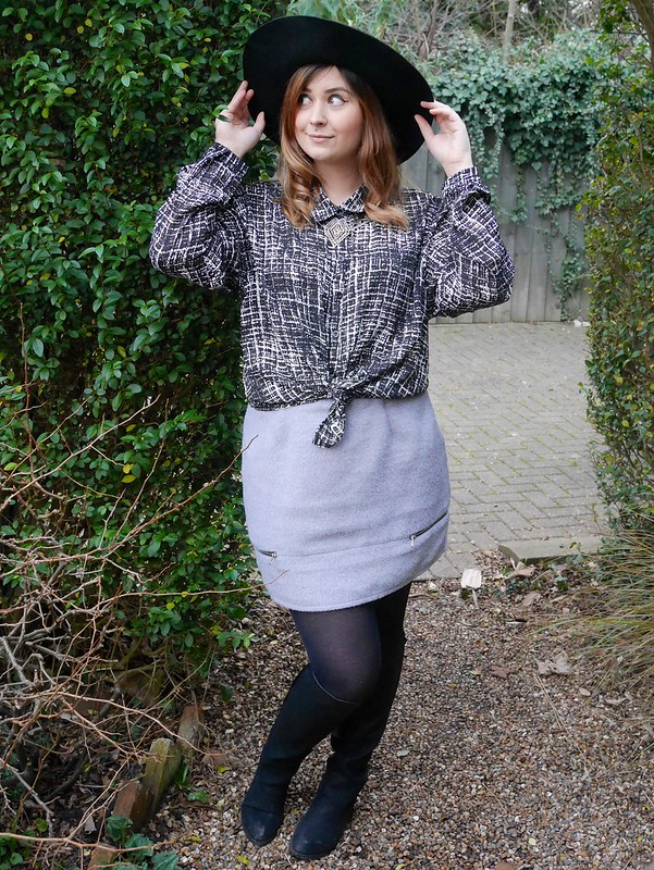 fashion blogger outfit post missguided shirt