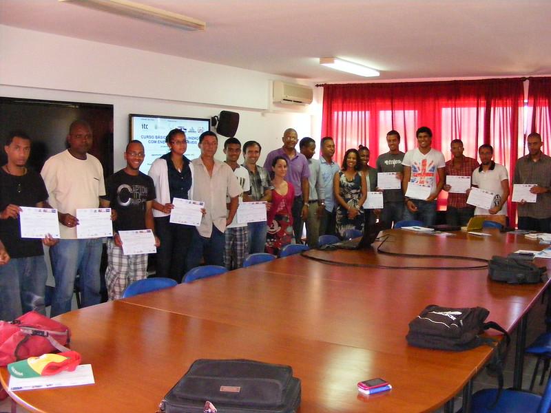 Entrega certificados curso Desalación con Energías Renovables en Universidad Cabo Verde