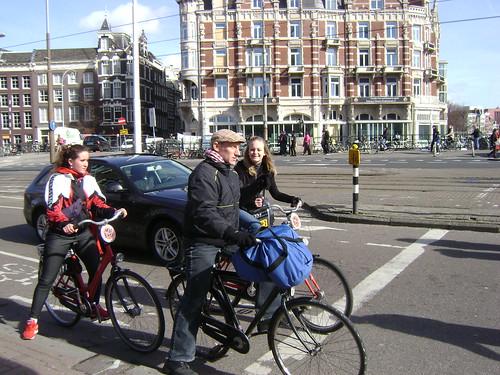 Ciclistas, Ámsterdam, Holanda/Cyclists, Amsterdam, The Netherlands - www.meEncantaViajar.com by javierdoren