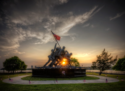 fallriver massachusetts unitedstates nikon d800e sunset warm glowing iwojima momument memorial ma park battle marines worldwarii mountsuribachi flag american bicentennialpark hdr tonemapped newengland yextmassachusetts yexttopviews