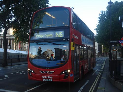 Metroline VW1276 on Route N5, Trafalgar Square