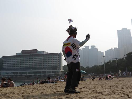The dancing Haeundae Beach kite flyer