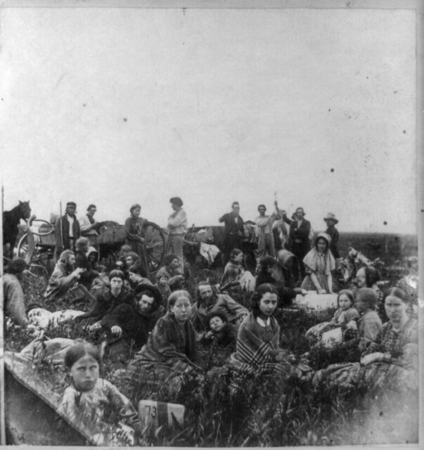 Settlers fleeing U.S. Dakota war massacre, 1862