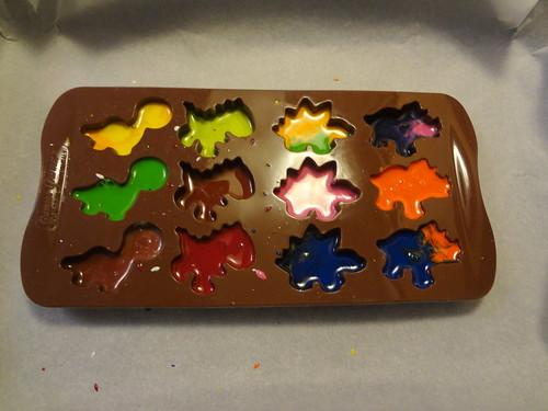 Dino crayons 5
