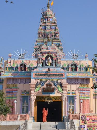 Janmashtami _ Krishna Mandir by Ginas Pics