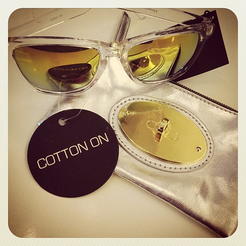 Sunglasses and Cute purse I got at the Cotton on sale. Check it out in the Blog www.therabbitandtherobin.co.za {follow me @robindeel on Instagram} Official @rabbitandrobin #fashion #style #cottonon #sale #sunglasses #sunnies #summer