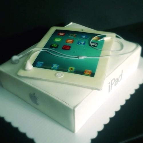 tazzy cake ipad cake