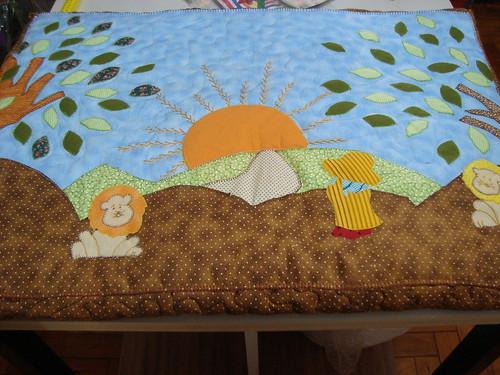 Trocador de Bebê...Daniel brincando com os leões by Maringá Patchwork by Ruth Urbinati