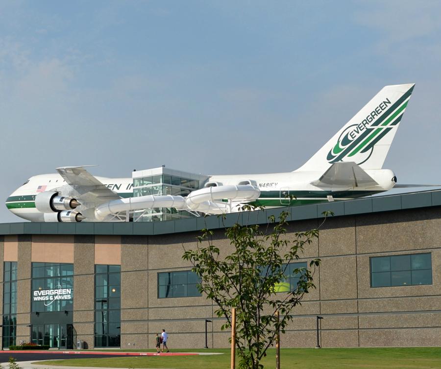 747_roof_slides