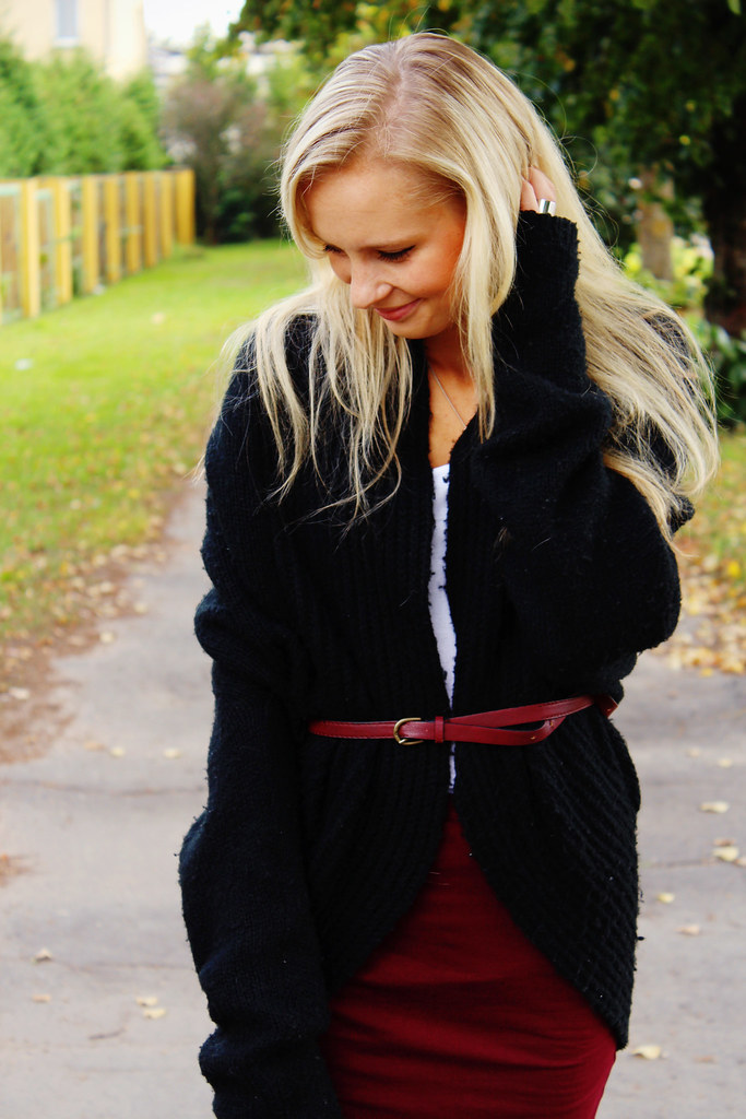 Bowknot tights, burgundy skirt, black oversized cardigan, burgundy color heels,