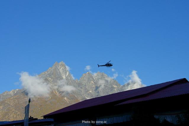 一大早直升机就出动了