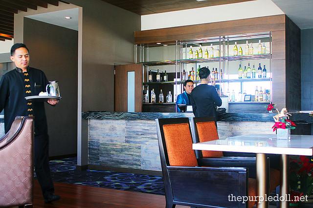 Bellevue Manila Signature Club Lounge Counter