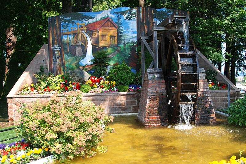 Waterwheel Park in Chemainus, Cowichan Valley, Vancouver Island, British Columbia, Canada