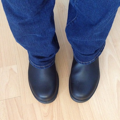 Wearing my new boots I won from @schmutziemorgan #blundstone #100happydays Day 16