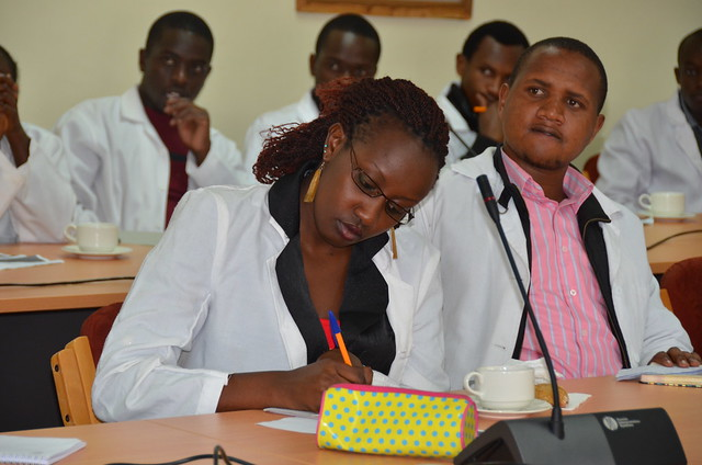 Undergraduate students from the University of Nairobi's College of Agriculture and Veterinary Sciences visit ILRI