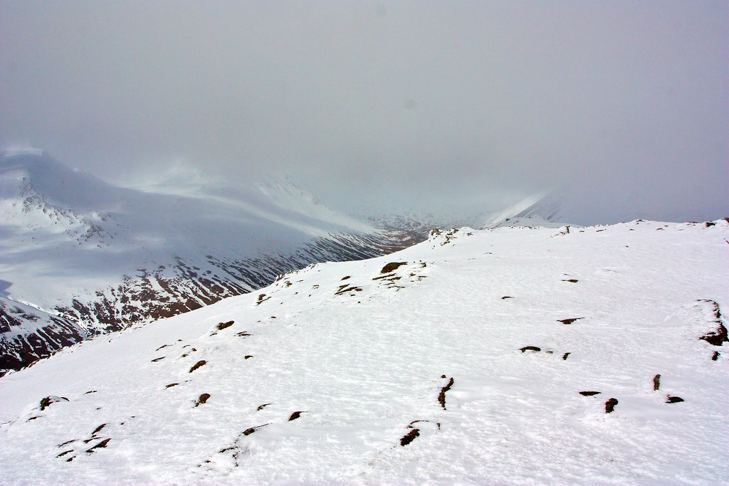 Towards the Lairig Ghru