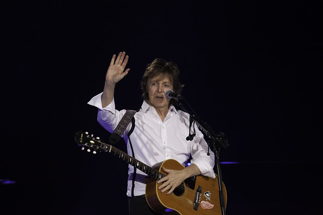 Paul McCartney - Out There Concert | 140420-5764-jikatu