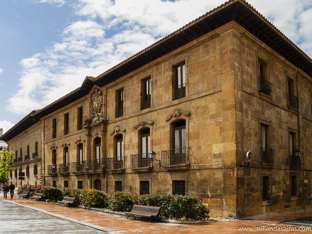 Palacio de Valdecarzana - Heredia